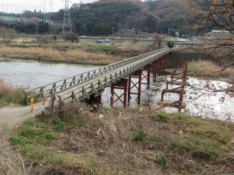 木造の中乗橋
