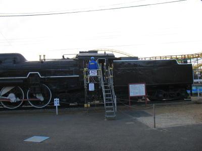 蒸気機関車C61の運転室へ