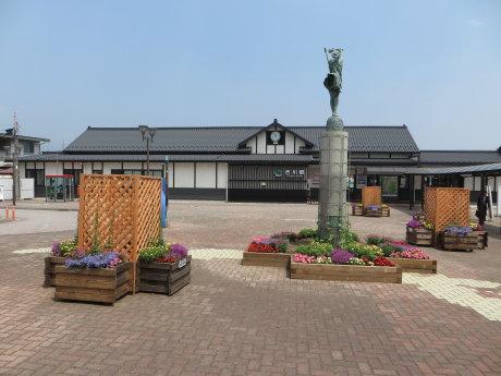 花の駅 渋川駅前広場