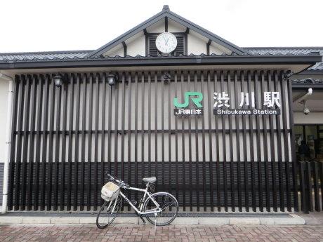 渋川駅前にはイルミネーション