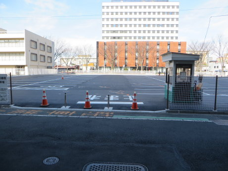 前橋市役所前にできた駐車場