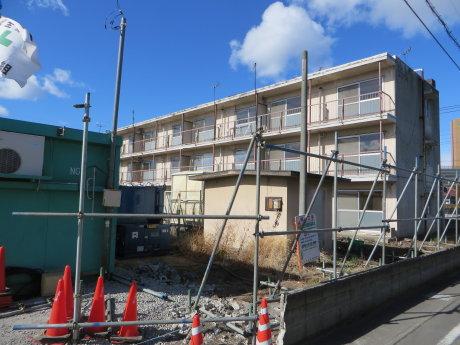 県営住宅の解体工事が