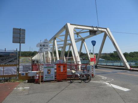 大正橋側道橋の工事はまだ休工中・・・