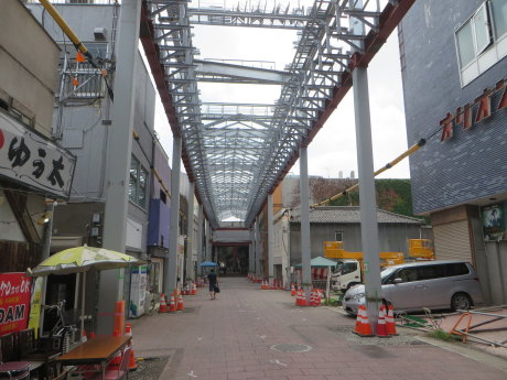 高崎中央銀座のアーケードは三角屋根に