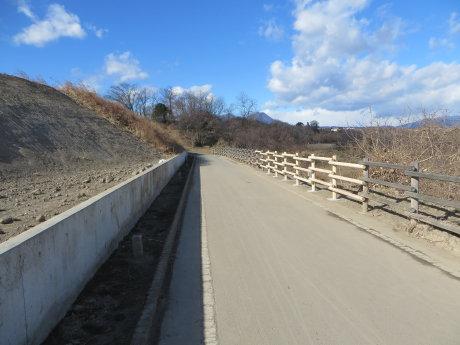 サイクリングロードの柵が元通りに