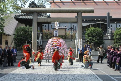 高崎神社で並榎の獅子舞