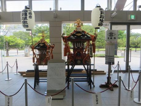 高崎市役所にお神輿展示中