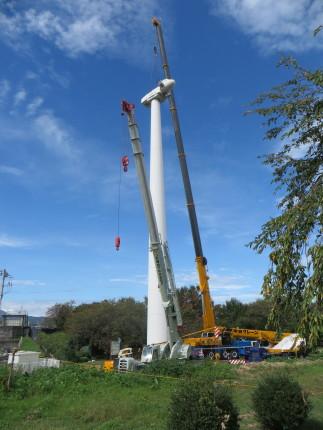 吉岡町の風車、解体中