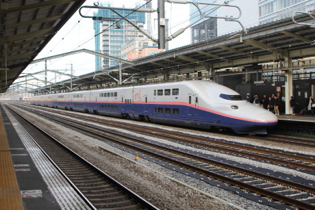 高崎駅でE4系
