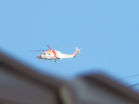 県内上空をヘリコプターが
