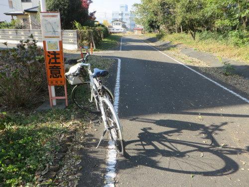 利根川サイクリングロードはまだ通れず