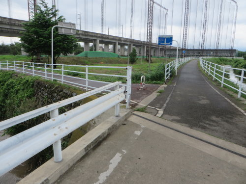 早瀬川サイクリングロードへ再び
