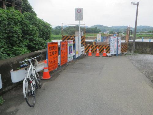 復旧工事中の佐野橋