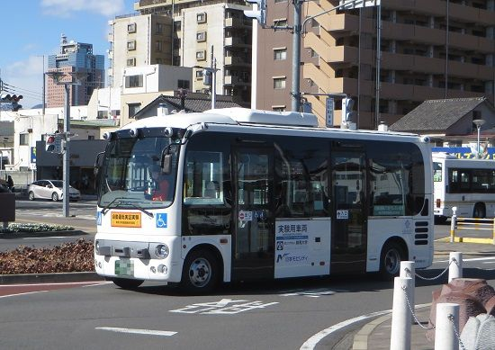 顔認証の自動運転バス